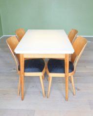 vintage-uitschuifbare-formica-tafel-houten-poten-wit-grijs-3
