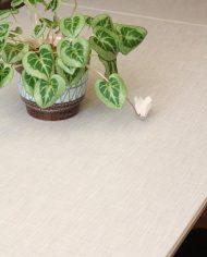 vintage-uitschuifbare-formica-tafel-houten-poten-wit-grijs-4