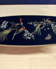 vintage-zwarte-pauwen-tafel-goud-pootjes-3