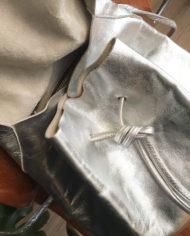 zilveren-leren-rugtas-COS-rugzak-3