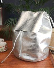 zilveren-leren-rugtas-COS-rugzak-5