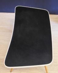 zwarte-bijzettafel-jaren-50 in trapezium-vorm-5