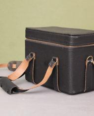zwarte-vintage-cameratas-hengsels-2